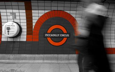 La Londra di sotto, che spettacolo per la streetphoto. Impossibile non innamorarsi