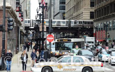 """In """"Loop"""" sui treni che corrono sopra Chicago"""