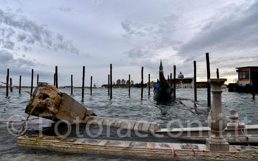Venezia è bellissima, anche nel dramma dell'acqua alta