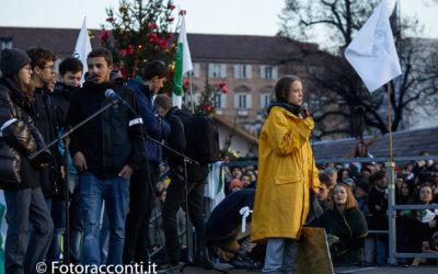 A Torino i giovani, e Greta, contro le politiche degli adulti